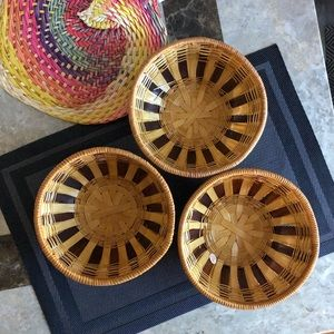 Set of 3 woven bowls one size